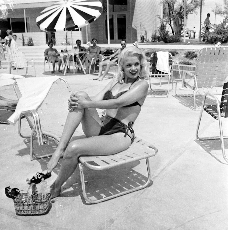 Jayne Mansfield: Steckbrief, Bilder und News - WEBDE