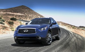 2013 Infiniti FX37 Makes Beautiful Music