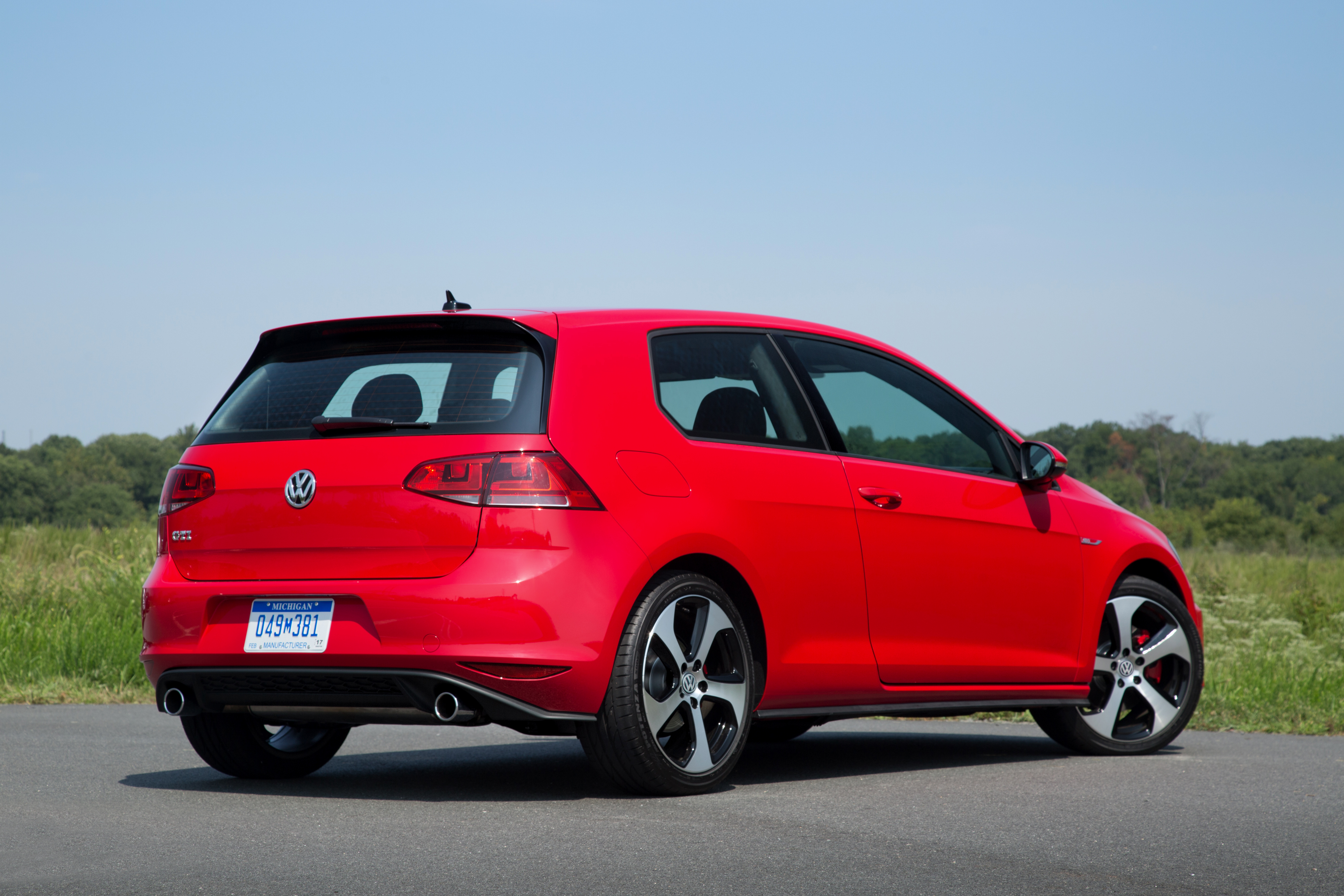 2015 Volkswagen Golf Worships At The Altar Of The Autobahn